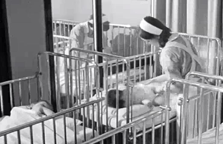 Italia dei dialetti: Ninna Nanna. La gravidanza, il parto, l'allattamento, le ninne nanne